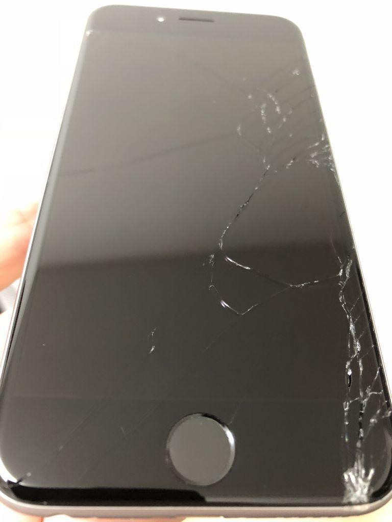 iPhone6sディスプレイひび割れ